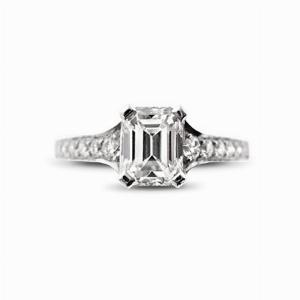 Emerald Cut Single Stone With Grain Set Shoulders 0.91ct DSI1 GIA